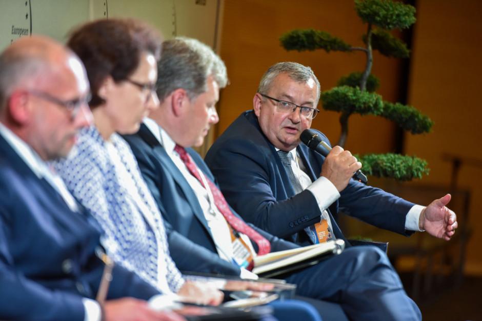 Minister infrastruktury Andrzej Adamczyk. Fot. PTWP