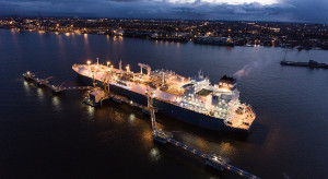 Gaz-System wydłuża termin na zgłaszanie zapotrzebowania na gaz z pływającego terminalu LNG