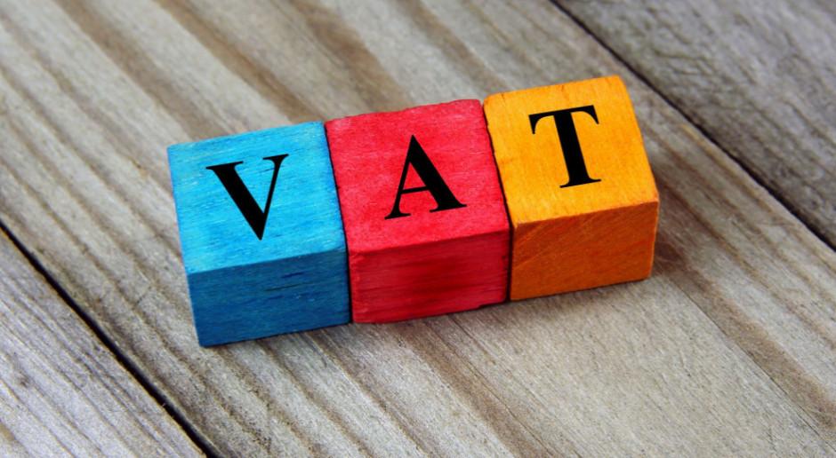 Odroczeniem powrotu stawek VAT 22 proc. i 7 proc. zajmą się sejmowe komisje