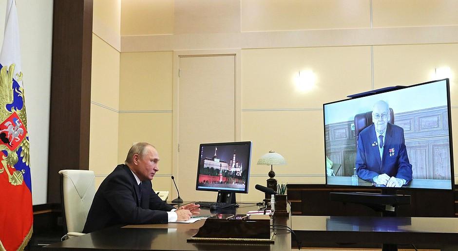 Putin: Rosja dysponuje doskonałą bronią, której nie mają inne kraje