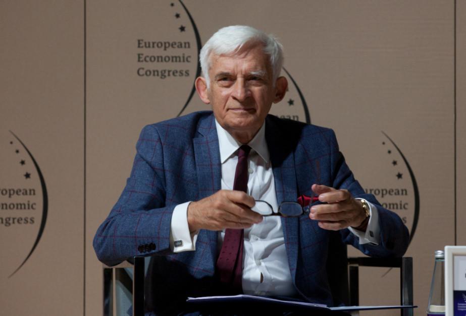 Jerzy Buzek, poseł do Parlamentu Europejskiego, przewodniczący Parlamentu Europejskiego w latach 2009-2012, Prezes Rady Ministrów w latach 1997-2001, przewodniczący Rady EKG