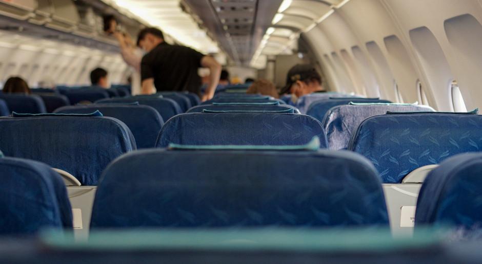 Linie lotnicze obniżają ceny. Aby przyciągnąć pasażerów