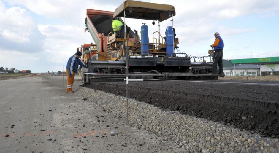 Ministerstwo Klimatu: pozostałości po frezowaniu dróg asfaltowych przestaną być odpadem