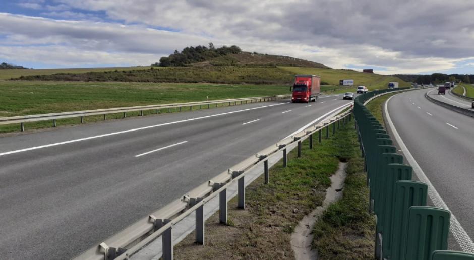 Prace remontowe na A4 trwają. Tam ruch kołowy już przywrócono