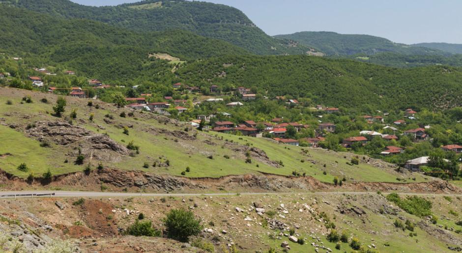 Kolejny dzień starć sił azerbejdżańskich i ormiańskich o Górski Karabach
