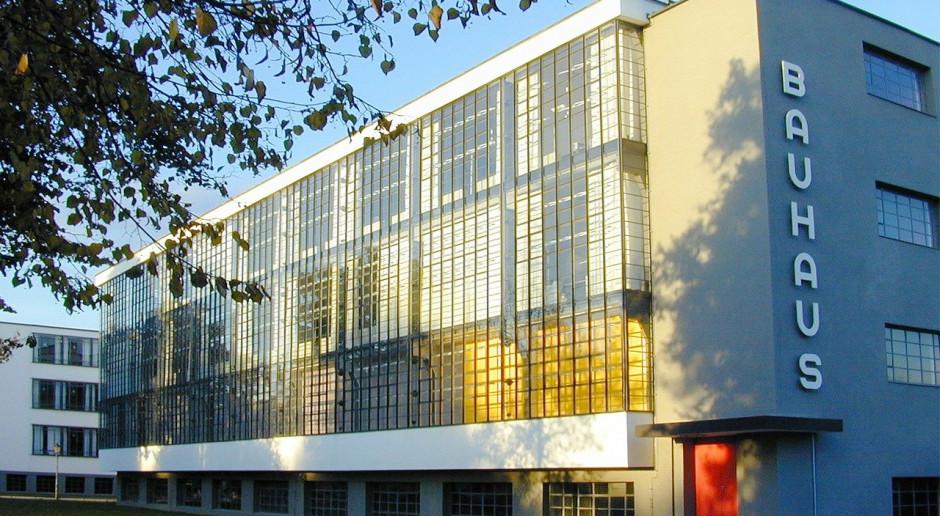 Bruksela przedstawia plan nowego Bauhausu. Chodzi o renowację budynków