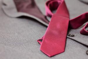 Pandemia odbija się na rynku mody formalnej. Spada sprzedaż garniturów i krawatów