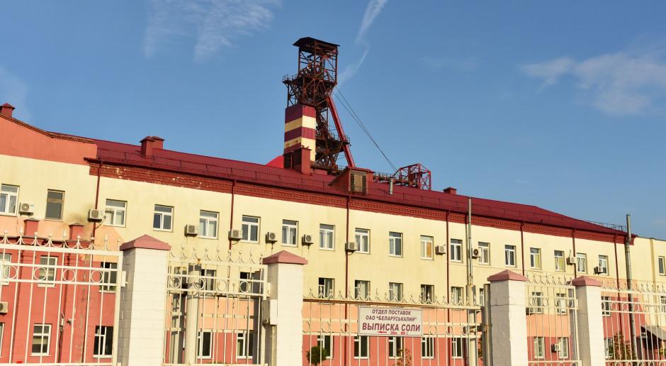 Górnicy na Białorusi przykuwają się kajdankami na przodku