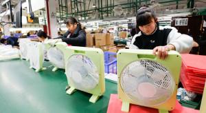 """Przenoszenie """"fabryki świata"""" z Chin coraz większym problemem"""
