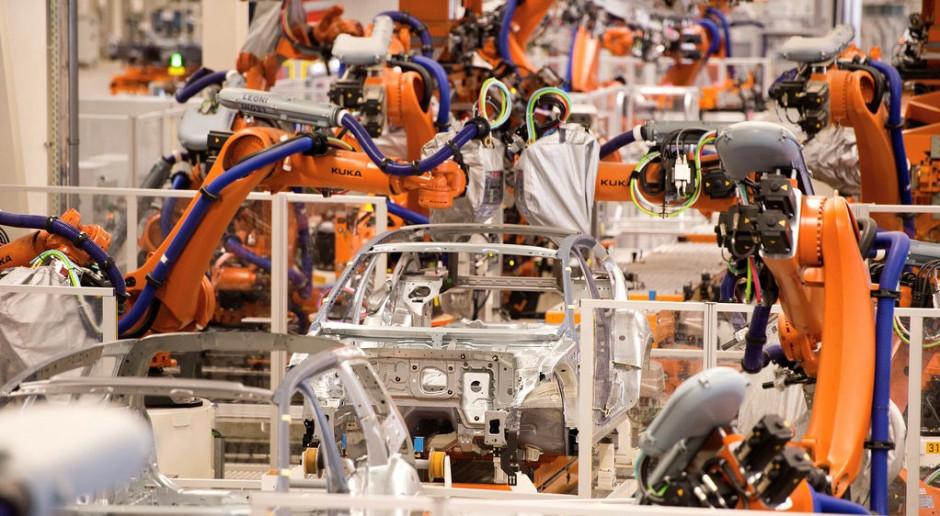 Volkswagen kupi ponad 2000 nowych robotów do produkcji aut elektrycznych