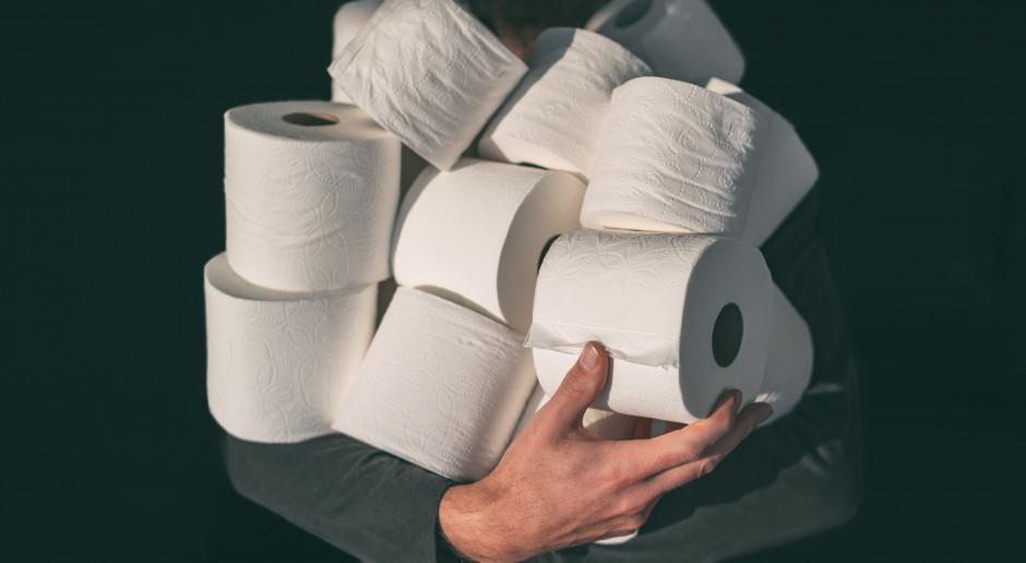 Zwiększony popyt na papier toaletowy, znowu puste półki w sklepach