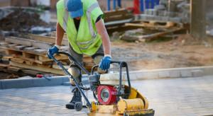 Produkcja budowlano-montażowa z wrześniowym odbiciem