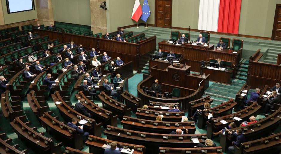 Opozycja o wystąpieniu premiera: kłamstwa, popis haseł retorycznych i polemika z mediami