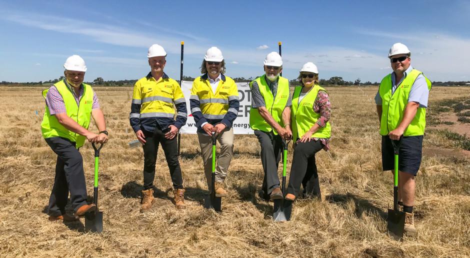 Photon Energy zaczęła budowę dwóch elektrowni słonecznych w Australii