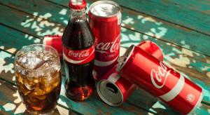 Coca-Cola odbija się po fatalnym II kwartale, wycofa niektóre napoje