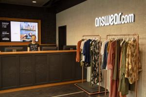 Sprzedawca odzieży poprawia wyniki finansowe mimo pandemii