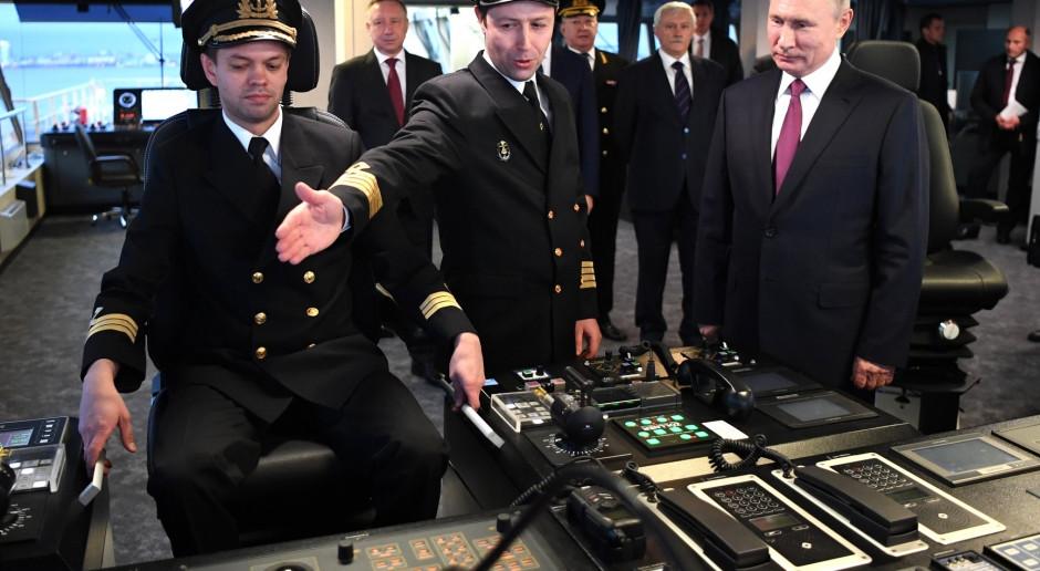 Rosjanie rozpędzają się z lodołamaczami. Mają kolejnego olbrzyma w służbie