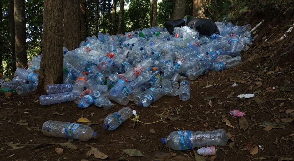 Unia walczy z plastikiem, wkrótce nowy system depozytowy