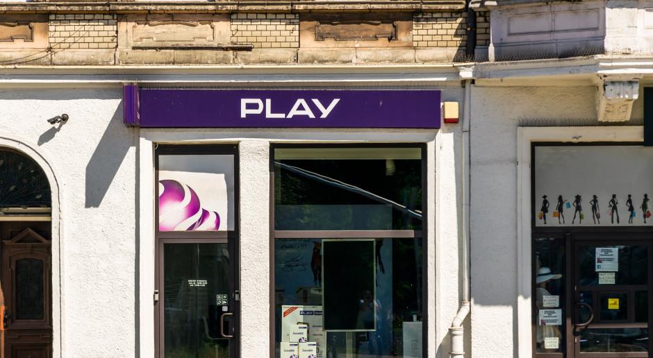 Play poprawia wyniki finansowe i powiększa sieć