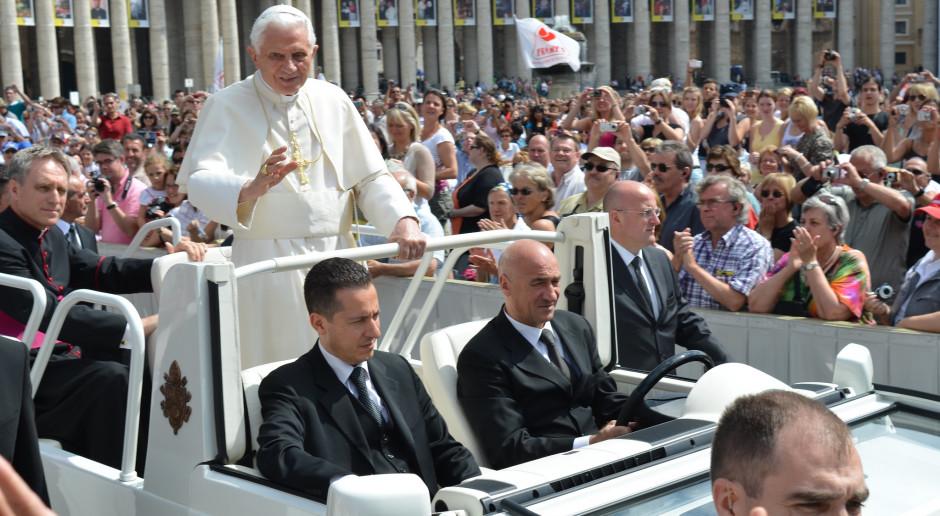 Abp Gaenswein: Na temat zdrowia Benedykta XVI podano fałszywe informacje