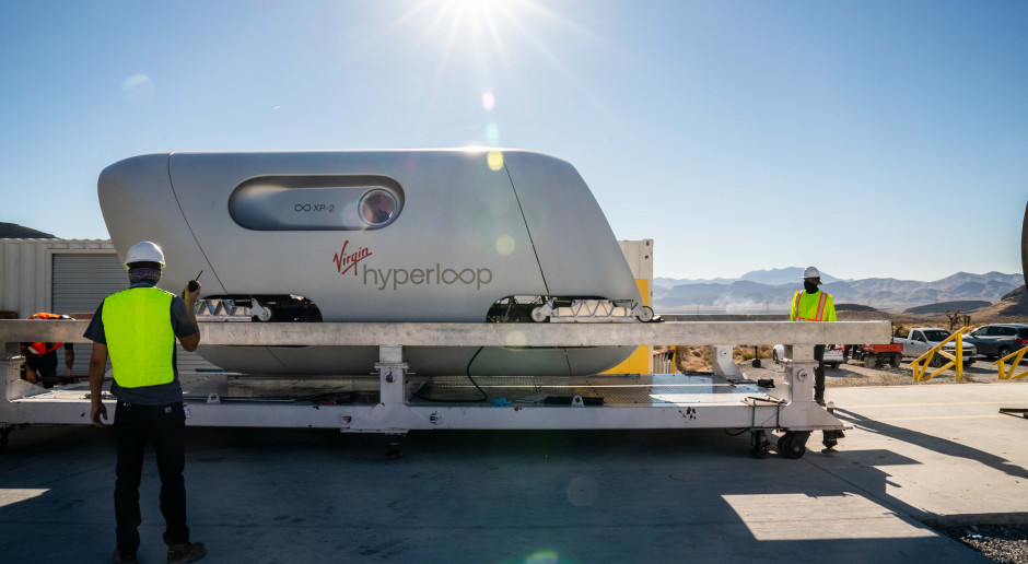 Virgin Hyperloop przewiózł pierwszych pasażerów