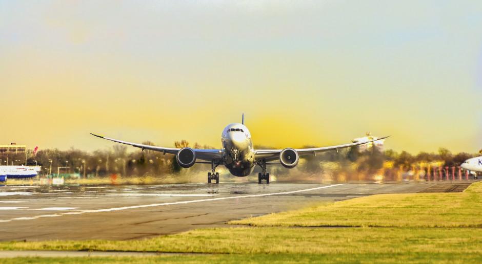 Chaos, straty, roszczenia. Rząd opracuje nową strategię dla lotnictwa