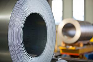 Zyski dystrybutora stali wystrzeliły w górę