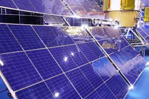 Pierwsze przymiarki do budowy elektrowni w kosmosie. Prąd prześlą bez kabla