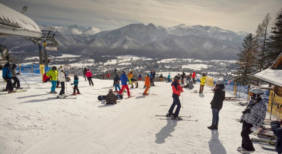 Producenci i sprzedawcy sprzętu narciarskiego chcą pomocy. Proponują Ferie+
