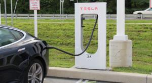 Tesla chce budować fabrykę w Indiach