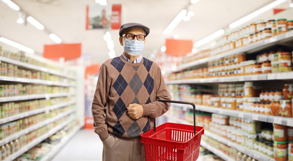 W godzinach dla seniorów spadek obrotów w małych sklepach o 24 proc.