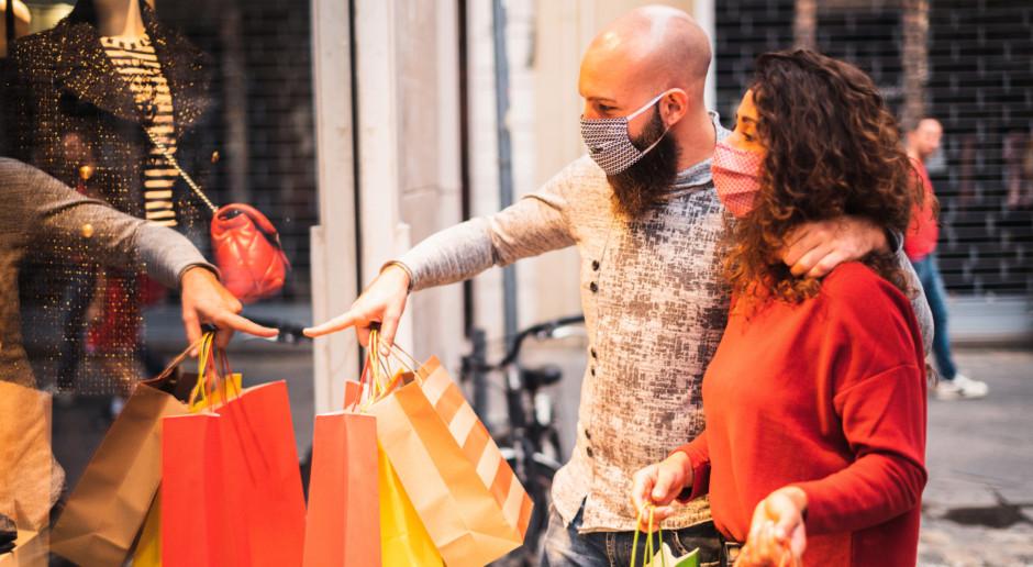 Mniej klientów w centrach handlowych podczas Black Friday