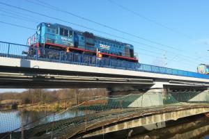 Potężne lokomotywy testują mosty na polskiej linii dużych prędkości