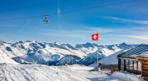 Szwajcaria przetestuje całość ludność na obecność koronawirusa. Wyda miliard franków