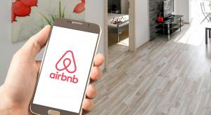 Airbnb podnosi cenę akcji w debiucie