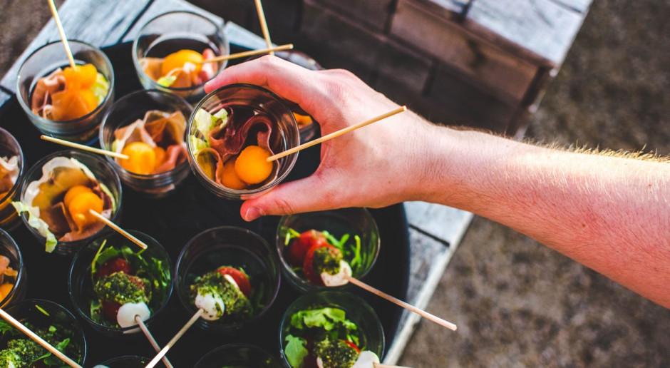 Gastronomia w czasach pandemii COVID-19. 7 praktycznych wskazówek dla biznesu