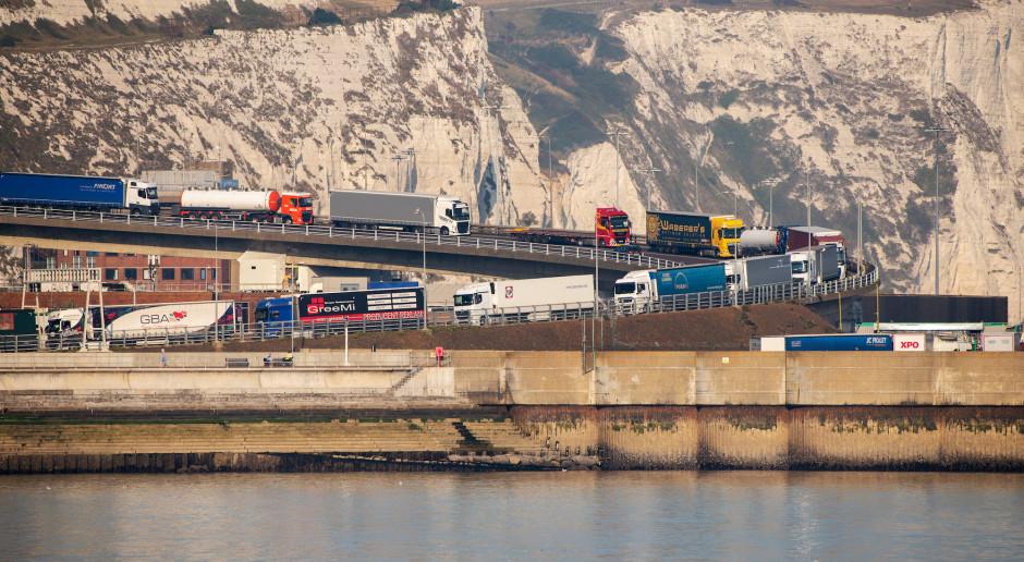 Brexit: 300 funtów mandatu za zjechanie z trasy