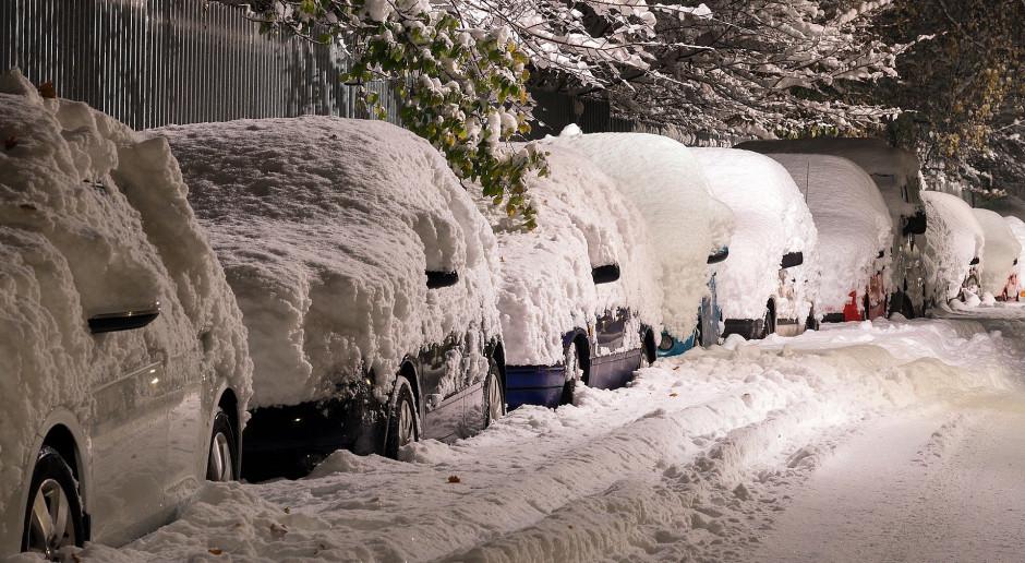 Hiszpania: Ponad 100 osób uwięzionych od piątku w centrum handlowym z powodu śnieżycy