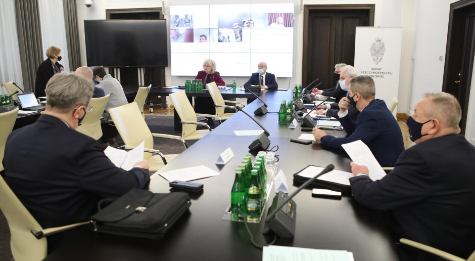Senacka komisja za poprawkami do ustawy o rezerwach strategicznych