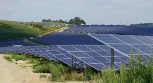 Unimot kupuje projekty farm słonecznych