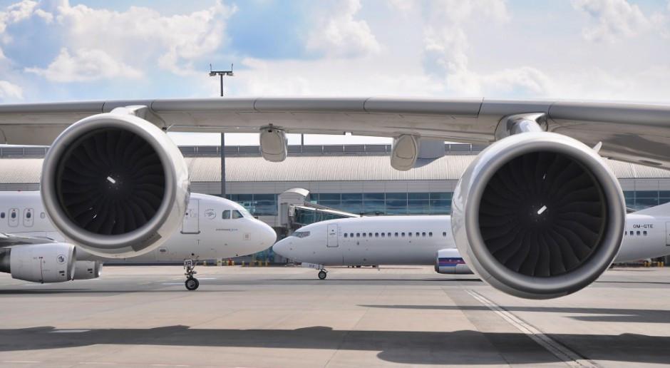 W 2020 r. liczba operacji lotniczych na wszystkich polskich lotniskach spadła o 56,4 proc. rdr