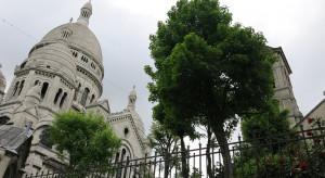 Francja: Narciarze na wzgórzu Montmartre