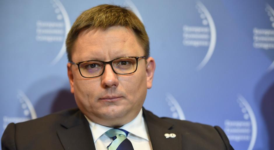 LOT zwrócił pasażerom 600 mln zł za bilety