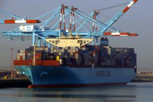 Statek Maersk zgubił na oceanie 750 kontenerów
