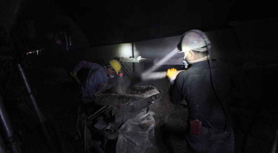 Chiny: Odnaleziono ciała 10 górników uwięzionych w kopalni złota