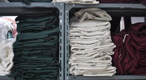 Sprzedaż hurtowa odzieży także zostanie objęta pomocą z tarcz?