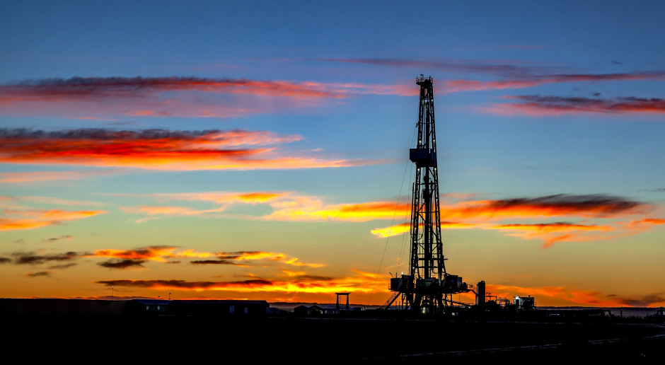 Ceny ropy rosną po mocnym spadku jej zapasów