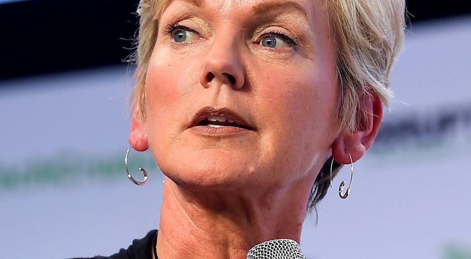 Jennifer Granholm - uratowała Detroit, uratuje USA?