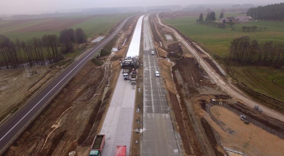 Droga wiedzie przez bagna, dodatkowe płatne prace na S61