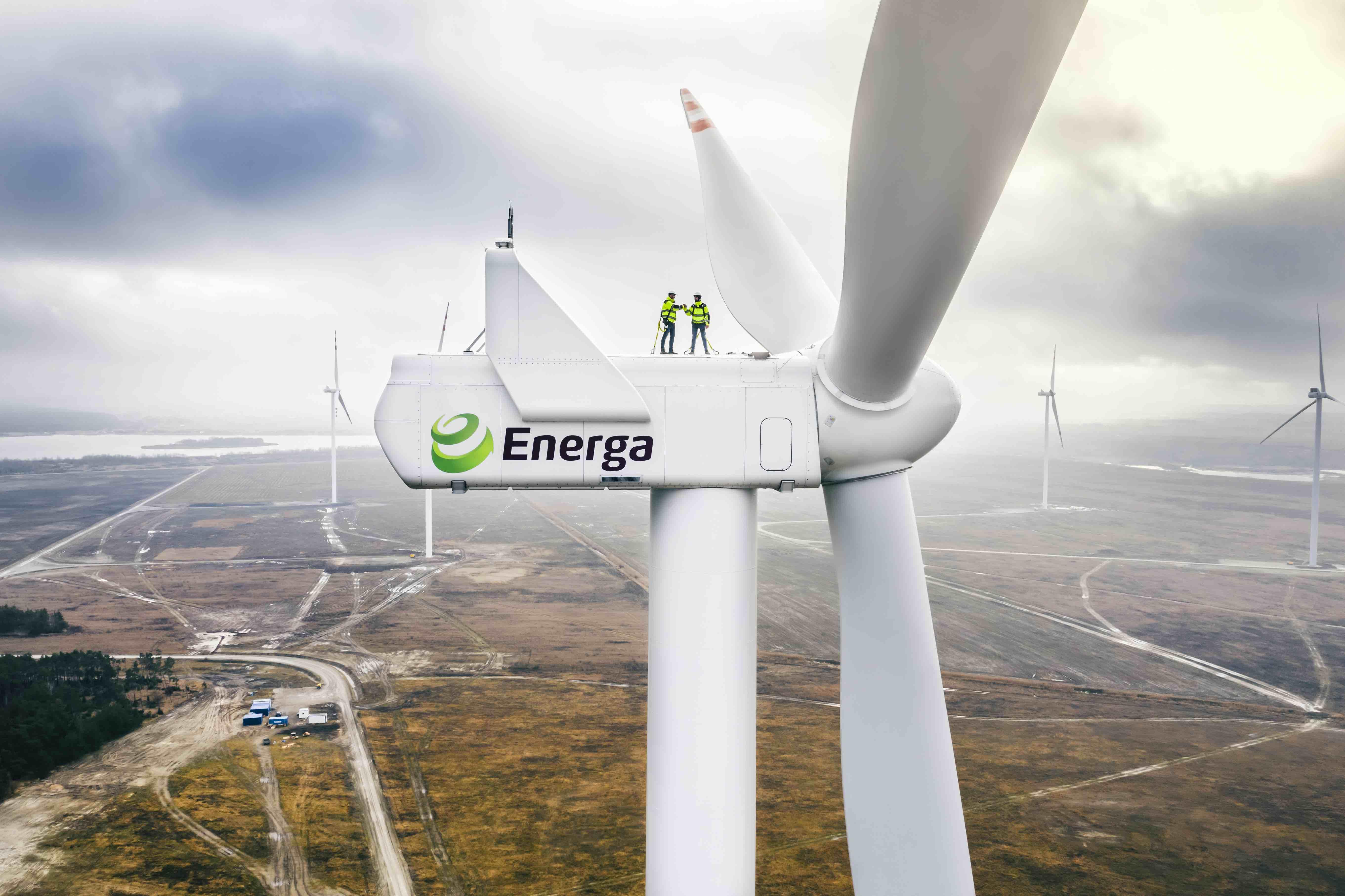 Energa inwestuje m.in. w generację wiatrową na lądzie. Na zdjęciu: farma wiatrowa w Przykonie. Fot. Energa.